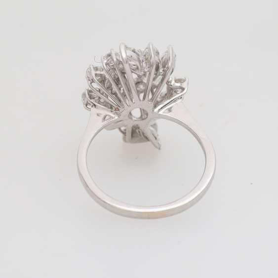Ladies ring with diamonds - photo 4
