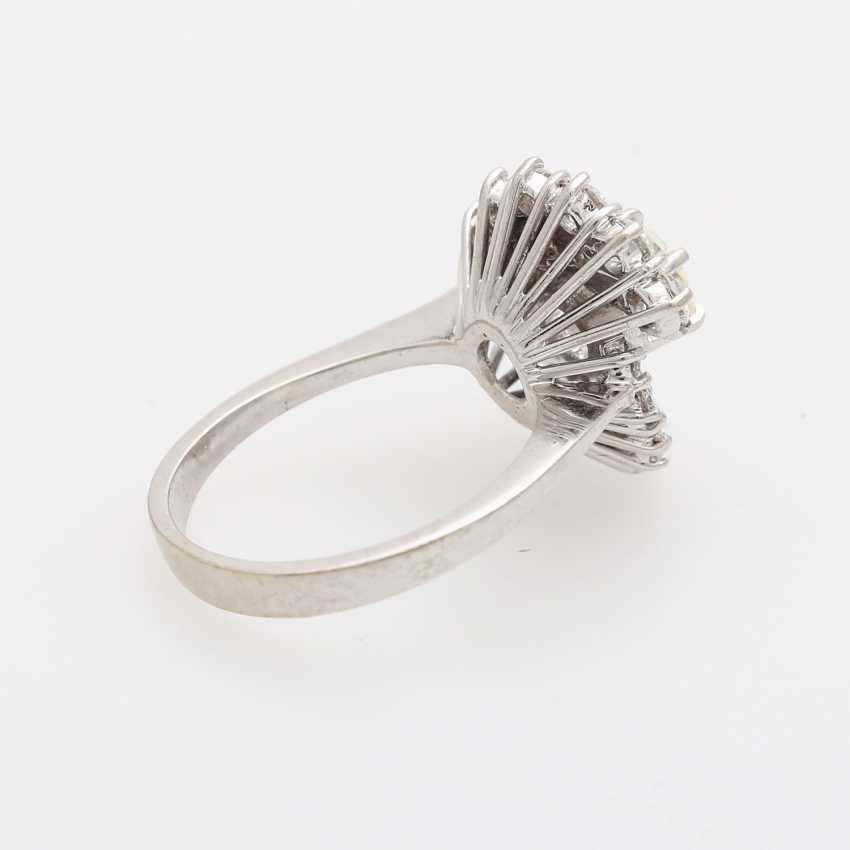 Ladies ring with beautiful brilliant stocking - photo 3