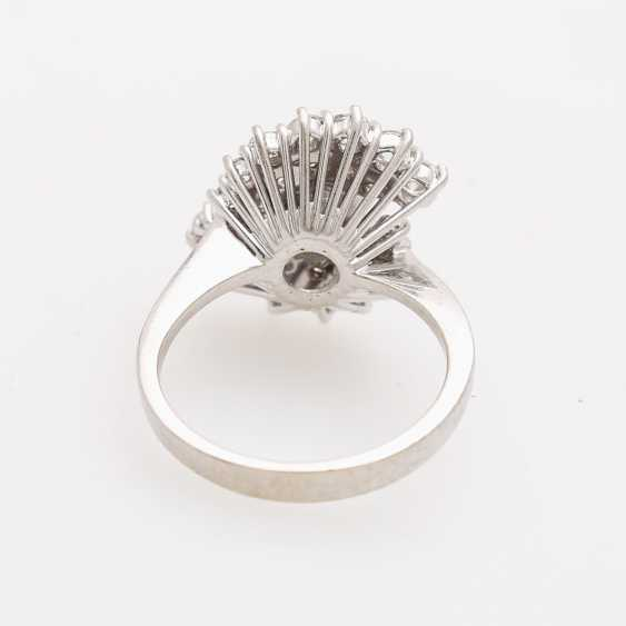 Ladies ring with beautiful brilliant stocking - photo 4
