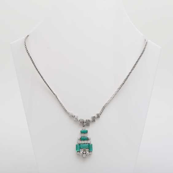 Necklace with emerald Baguettes & diamond - photo 1