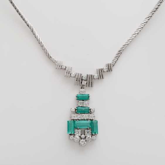 Necklace with emerald Baguettes & diamond - photo 2