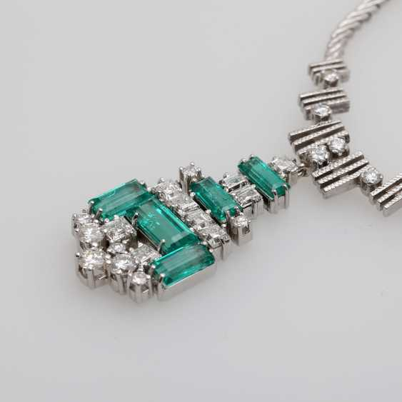 Necklace with emerald Baguettes & diamond - photo 4