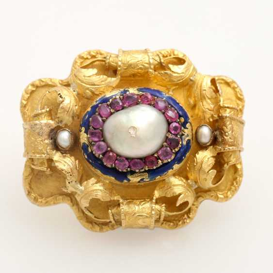 Foam gold brooch with precious stones, - photo 1