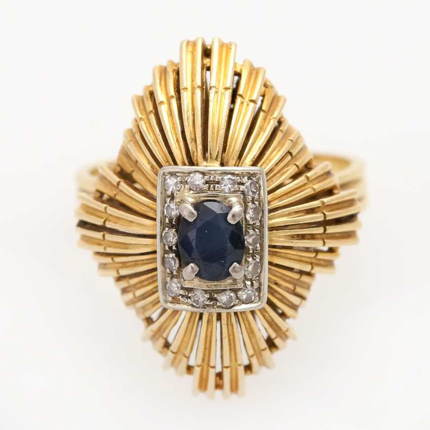 Ladies ring with sapphire and diamonds, - photo 1