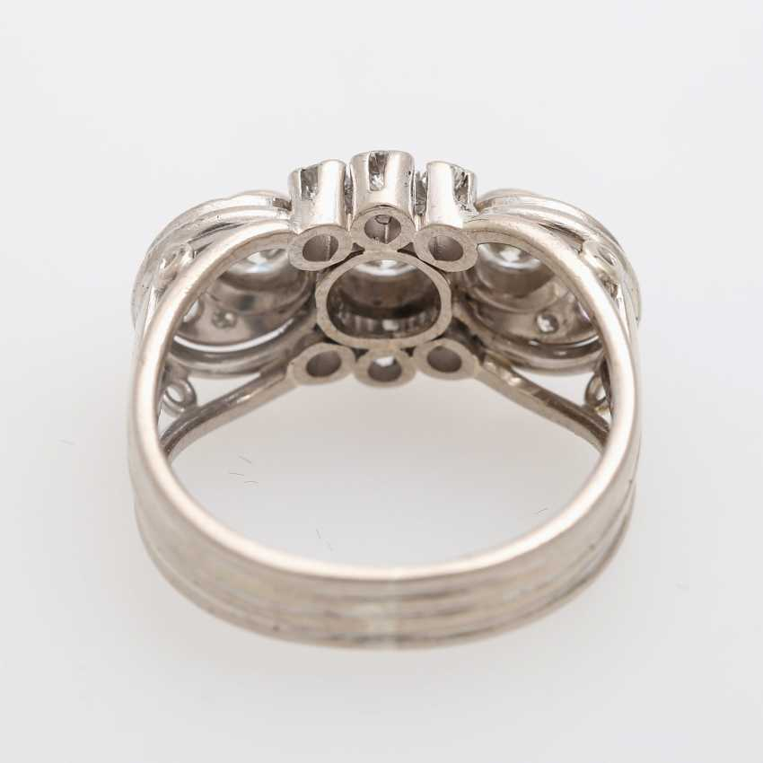 Ring with 3 Brilliant together approx. 0,85 ct., - photo 4