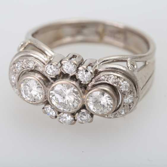 Ring with 3 Brilliant together approx. 0,85 ct., - photo 5