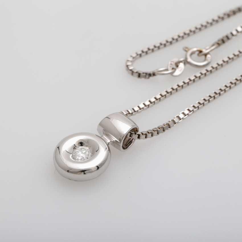 Chain with pendant brilliant 0.2 ct., - photo 4