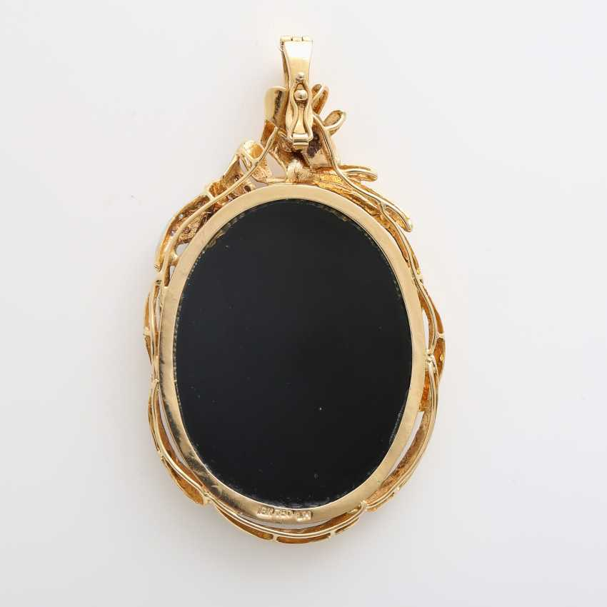 Pendant with an Opal-Onyx-cameo - photo 3