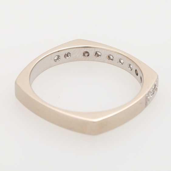 Half eternity ring with octagon diamond - photo 3