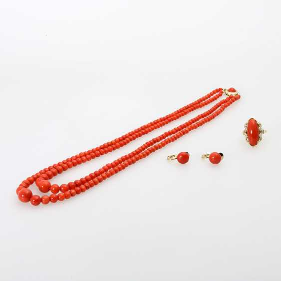 Group of coral jewelry, 3 - piece: 1 ball chain - photo 1