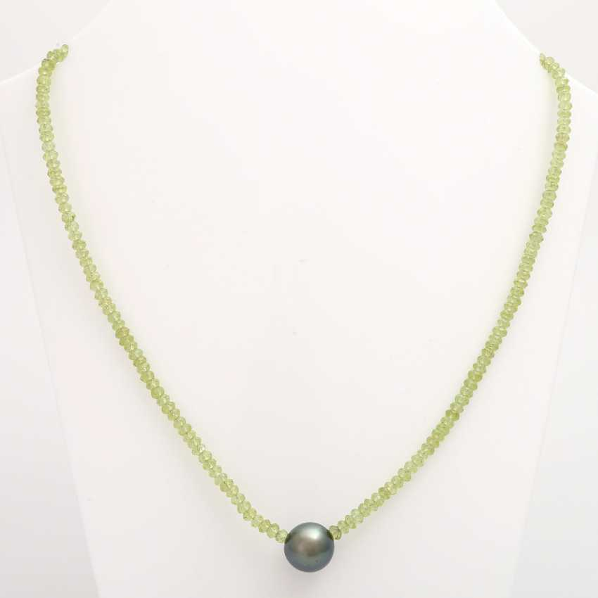 Necklace made from fac. Peridot, in the middle, 1 Tahitian pearl - photo 1