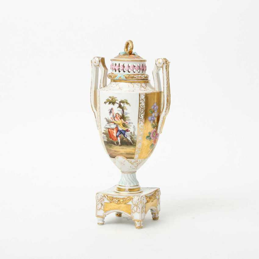 Probably the JOSEPH BOX Sophienau Potpourri Vase, early 20th. Century - photo 1