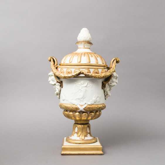 VOLKSTEDT (?) Lid amphora, 19. / 20. Century - photo 1