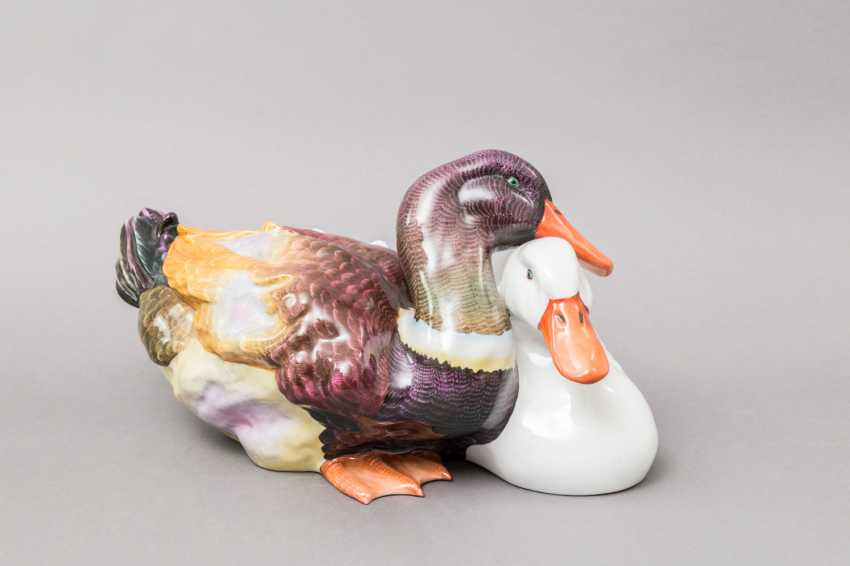 """HEREND figure group """"duck couple"""", 20. Century, 1. Choice. - photo 1"""