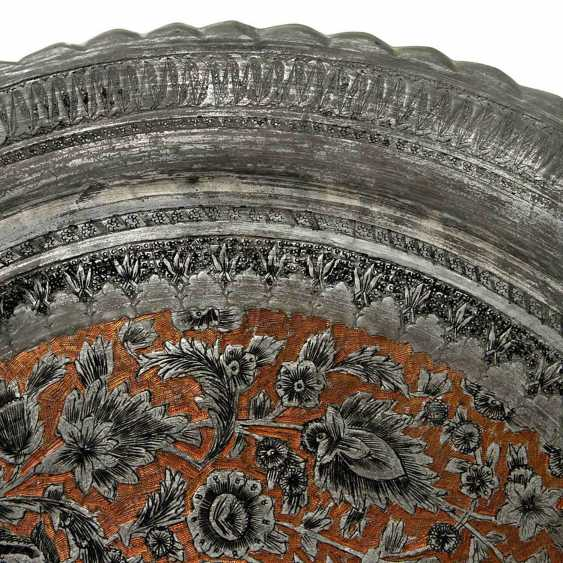 A Large Metal Plate. ORIENTAL, 20. Century - photo 2