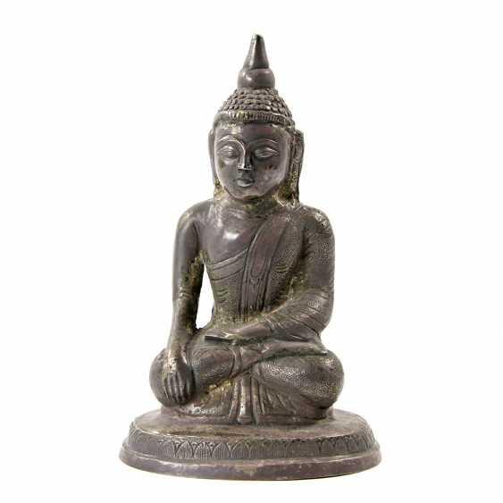 Shakyamuni Buddha representation made of metal. THAILAND, 20. Century - photo 1