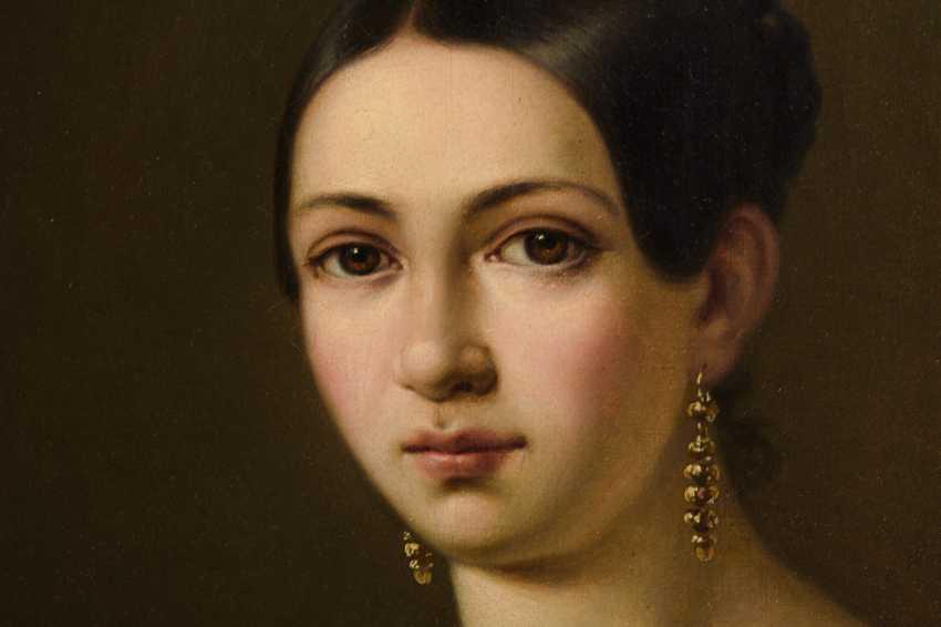 Biedermeier lady portrait - photo 2