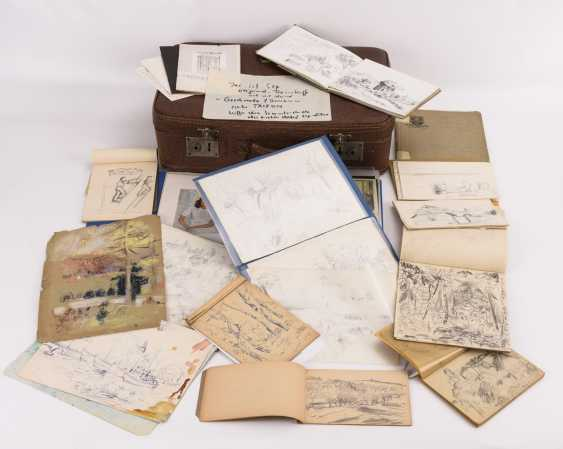 Original suitcase by Alexander von Szpinger with numerous sketches - photo 1