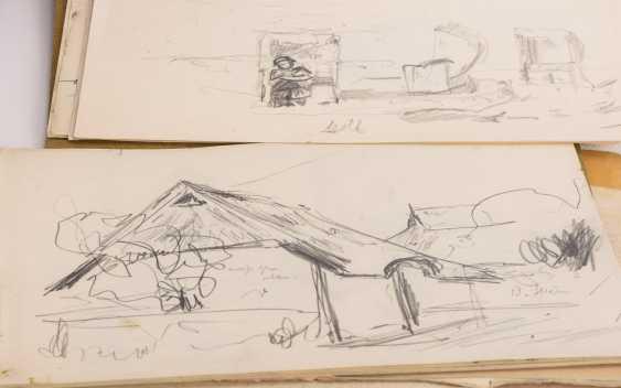 Original suitcase by Alexander von Szpinger with numerous sketches - photo 3