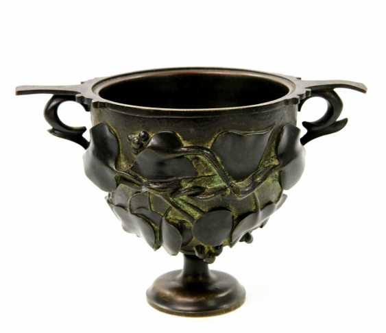 Bronze Cup in the art Nouveau style, to 19. Century, - photo 1