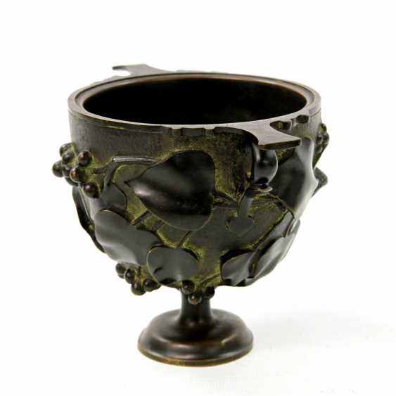 Bronze Cup in the art Nouveau style, to 19. Century, - photo 2