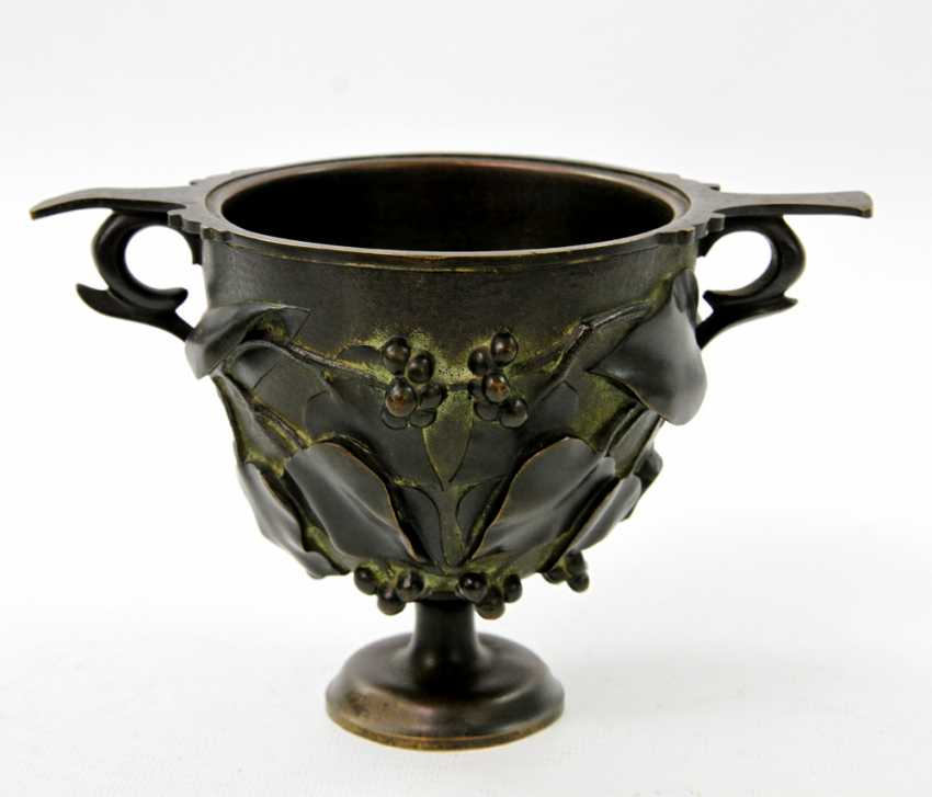 Bronze Cup in the art Nouveau style, to 19. Century, - photo 3