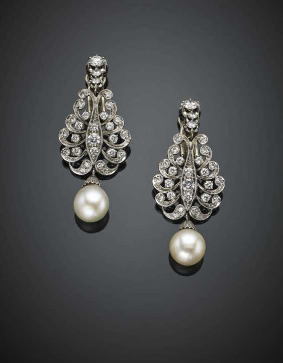 Diamond with mm 9.10 and mm 9.40 circa pearl white gold pendant earrings - photo 1