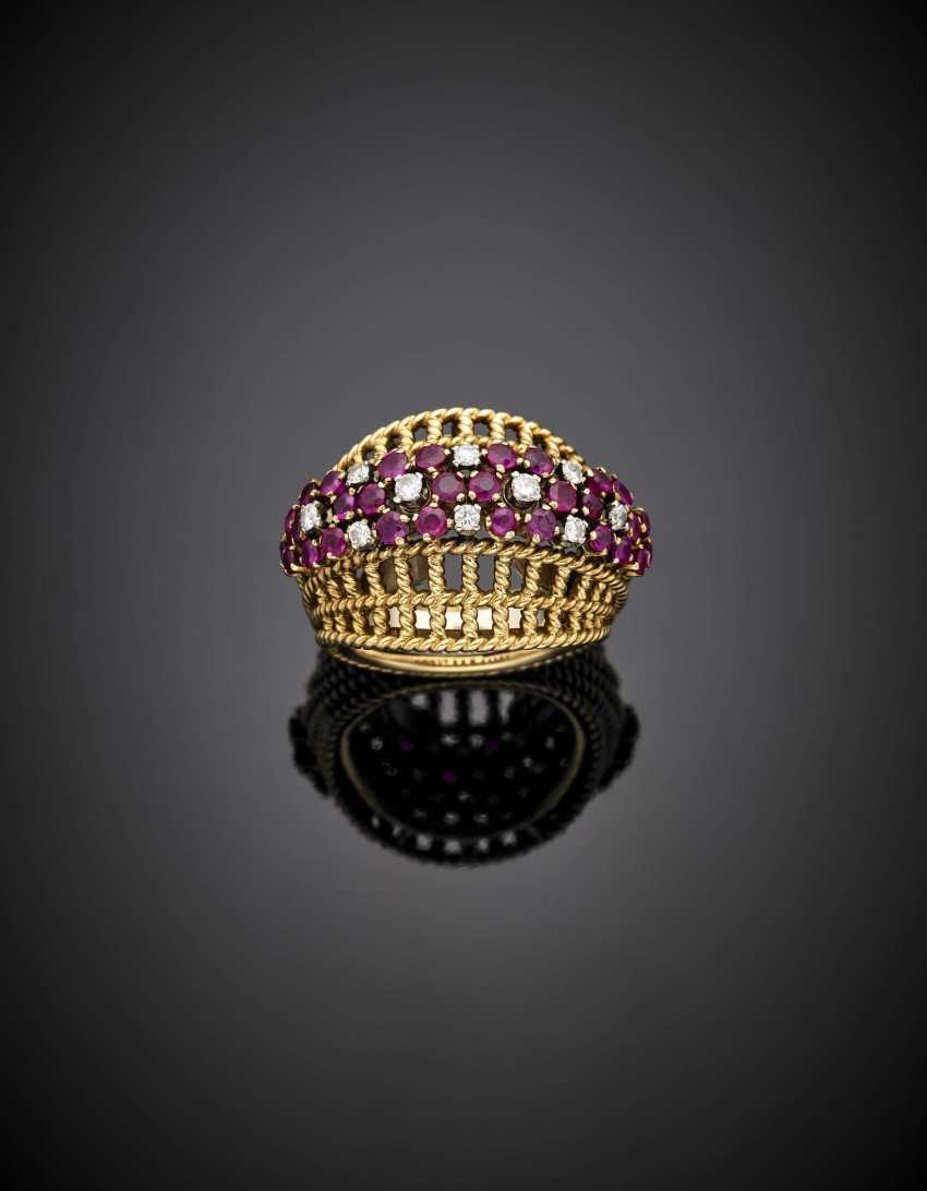 Bague panier rubis et diamants en or bicolore - photo 1
