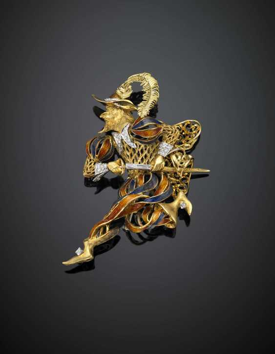 Bi-coloured gold enamel and diamond musketeer with pedestal - photo 1