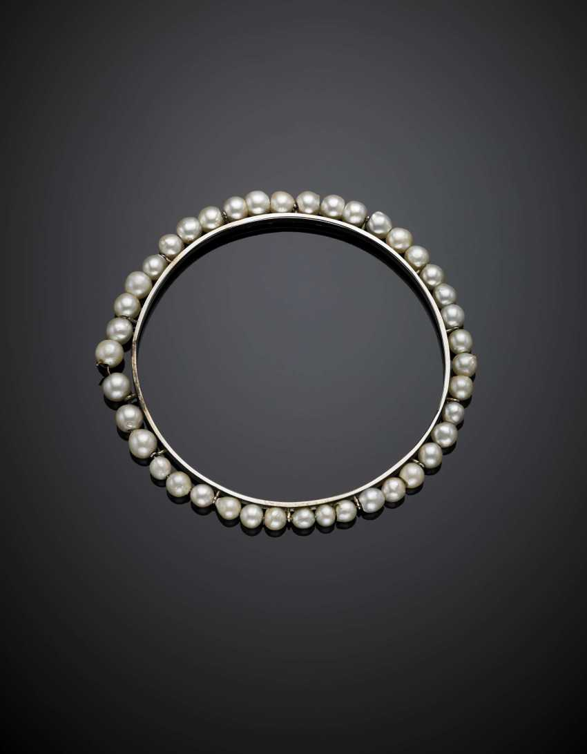White gold bangle accented with cultured pearls from mm 3.90 to mm 5.50 circa - photo 1