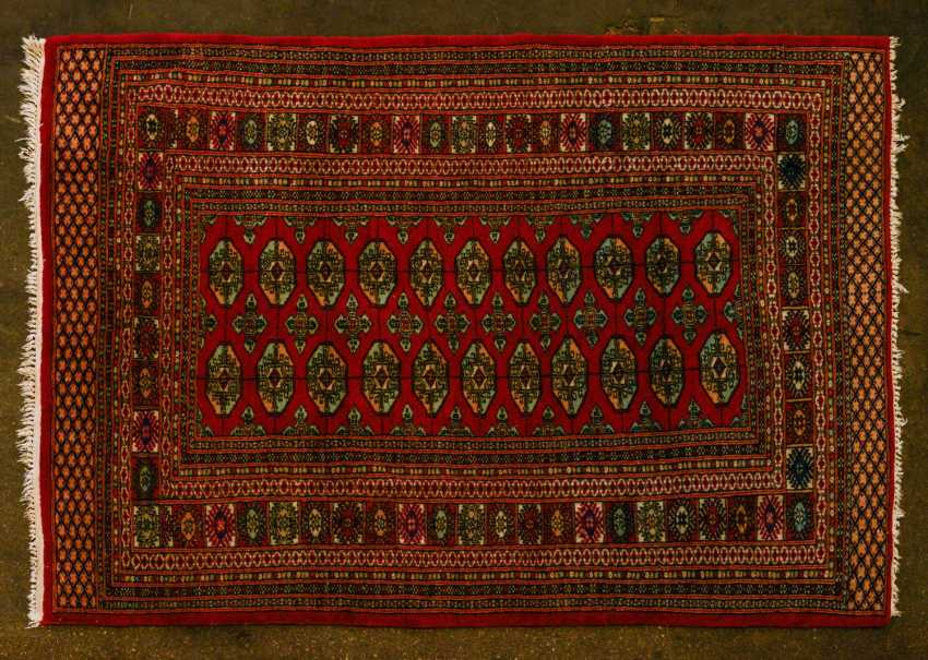 Orient carpet. PAKISTAN, 20. Century, 174x125 cm - photo 1