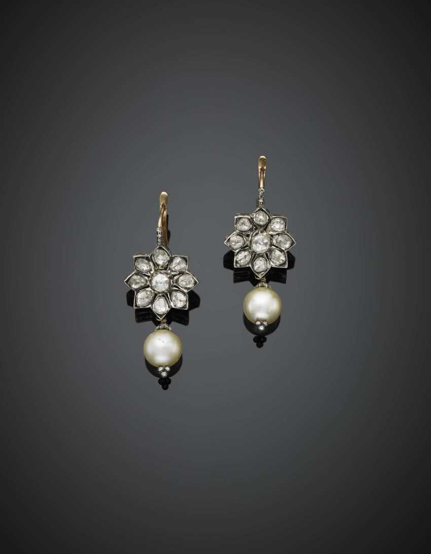 Silver and 9K gold pendant flower earrings with rose cut diamonds and mm 10 circa cultured pearls - photo 1