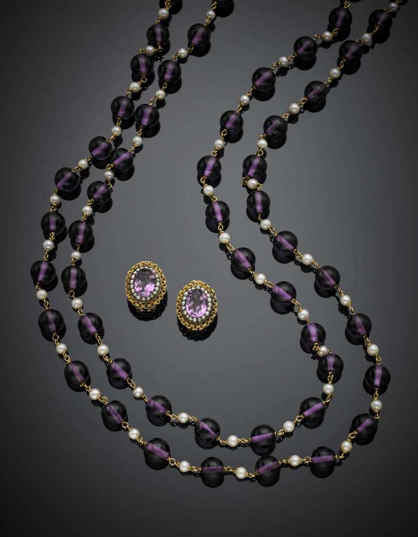 Lot comprising violet paste bead and pearl necklace with yellow gold spacers and clasp with cm 2 circa 18K gold - photo 1