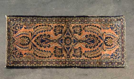Orient carpet. SARUK / PERSIA, 20. Century, approx. 180x81 cm - photo 1