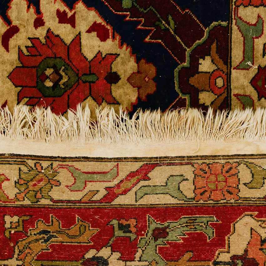 Orient carpet. YEREVAN. 1. Half of the 20. Century, approx. 338x249 cm - photo 2