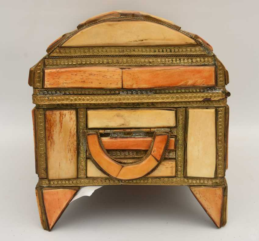 CHEST AND MIRROR, glass/camel bone, North Africa, the middle 20. Century - photo 3