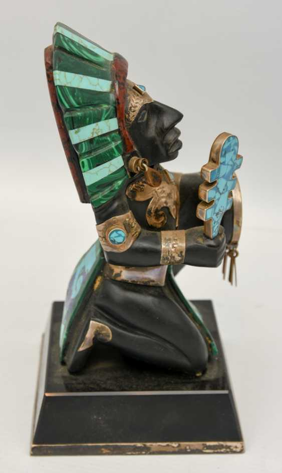 INDIAN CHIEF figure with silver fittings and semi-precious stones, 20. Century - photo 4