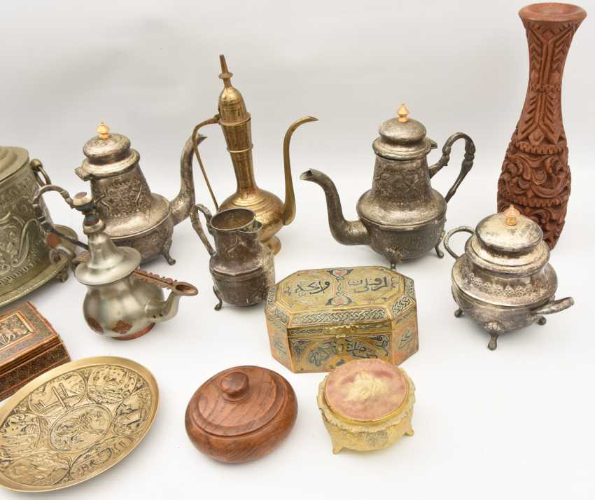 GROUP of ARAB decorative objects, brass/Nickel/wood carved and partly chased/, Orient 20. Century - photo 3