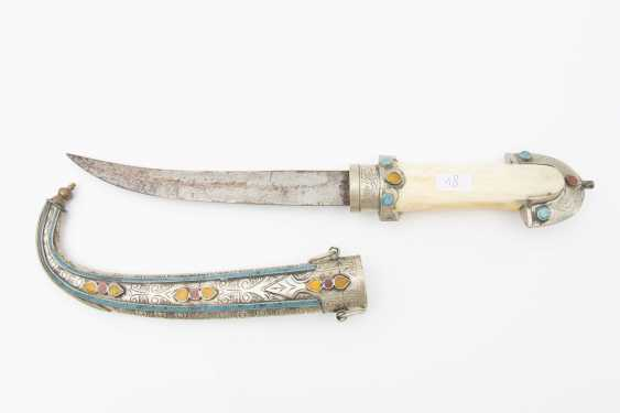 Curved dagger WITH steel scabbard, leg/semi-precious stones, Morocco, early 20th. Century - photo 1