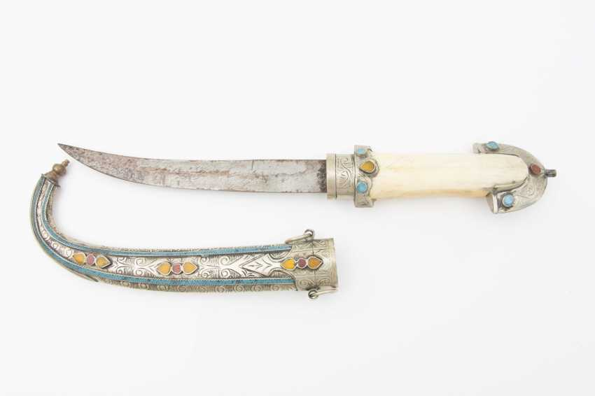 Curved dagger WITH steel scabbard, leg/semi-precious stones, Morocco, early 20th. Century - photo 2
