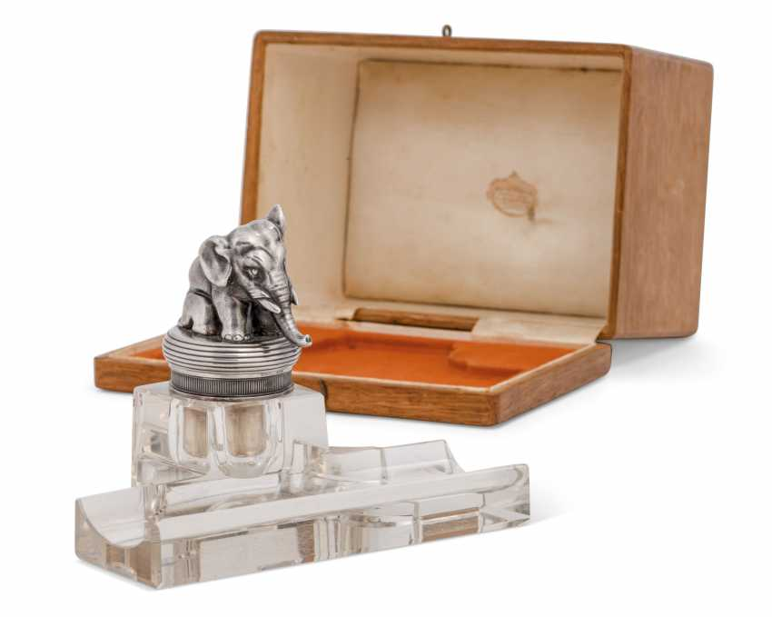 A PARCEL-GILT SILVER-MOUNTED CUT-GLASS INKSTAND - photo 2