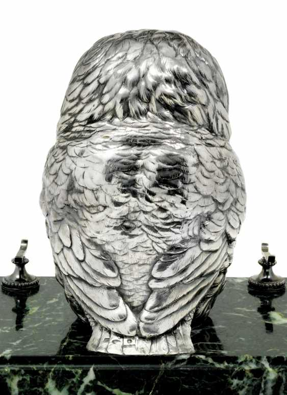 A GEM-SET PARCEL-GILT SILVER INKWELL - photo 2