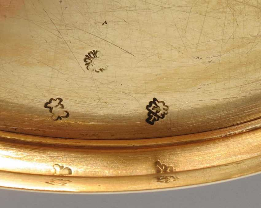Oval snuffbox with Venus and Cupid - photo 9