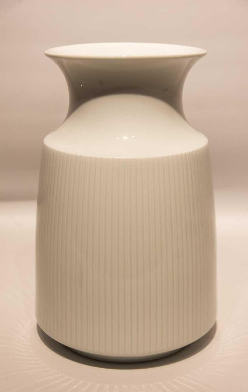 Lot 616 Rosenthal Studio Line Vase Glazed White Porcelain Marked
