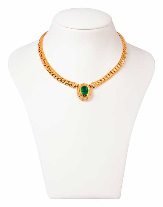 Solid gold necklace with Colombian emerald and diamonds - photo 1