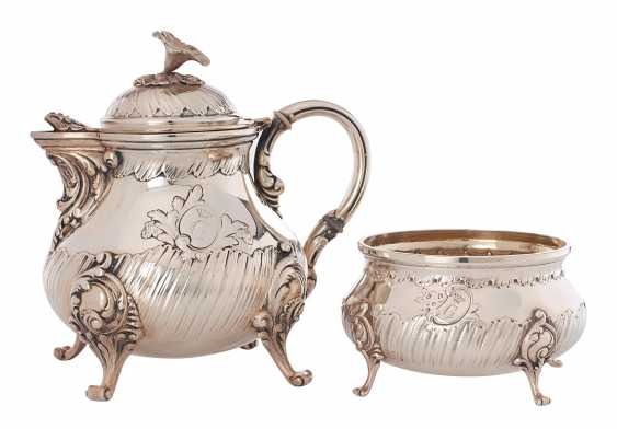 Rococo style teapot and sugar bowl - photo 1