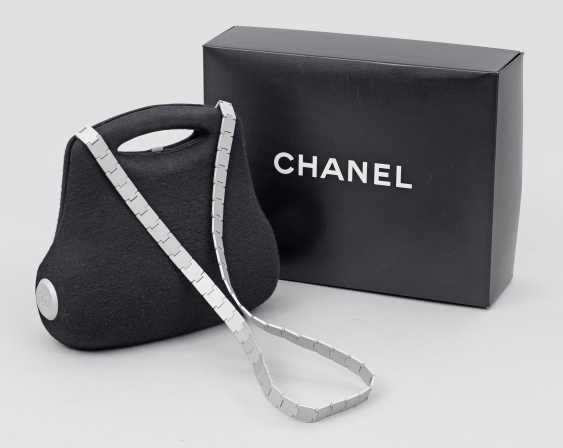"""Limited edition Chanel """"Butt Bag"""" shoulder bag - photo 1"""