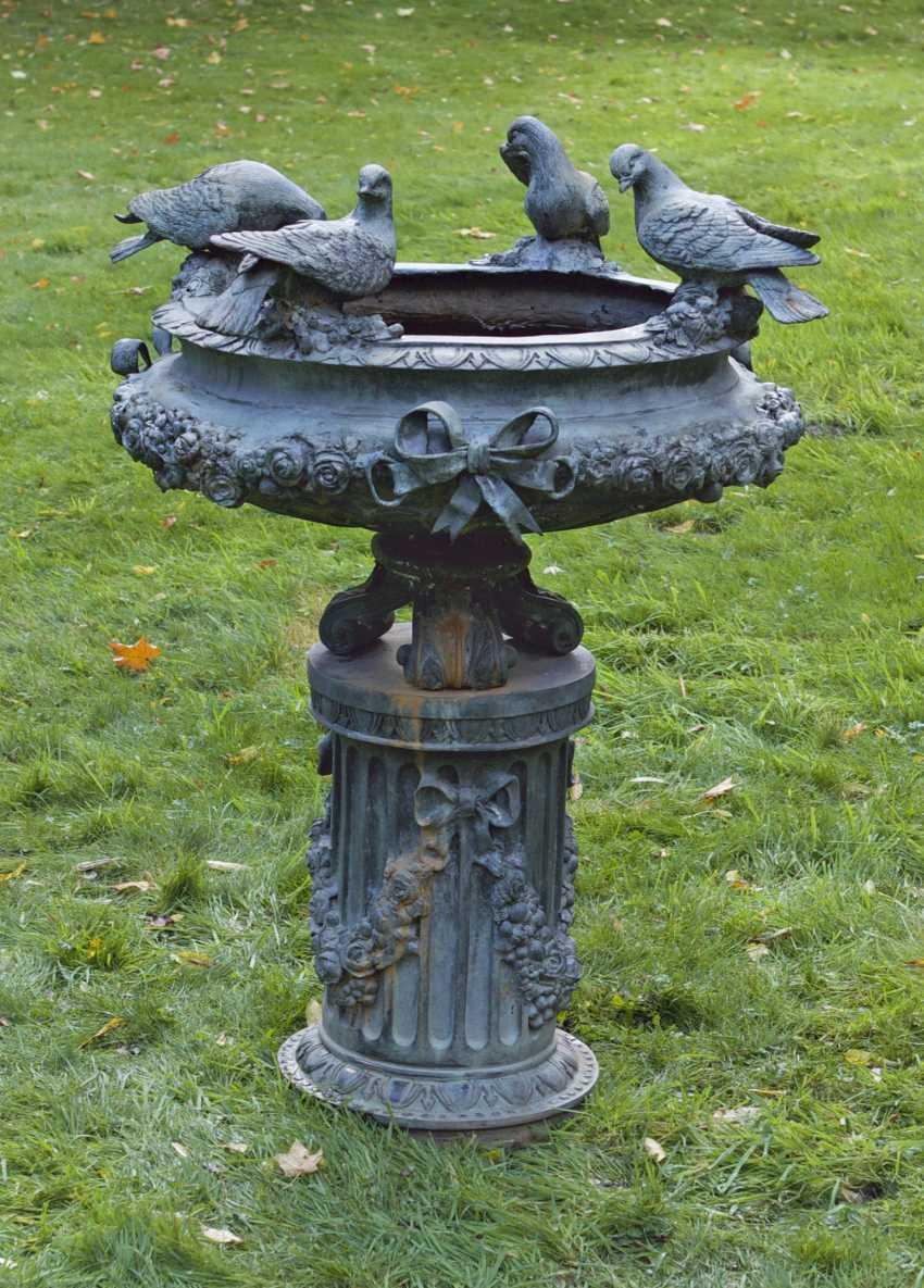 Magnificent Belle Epoque park fountains - photo 1