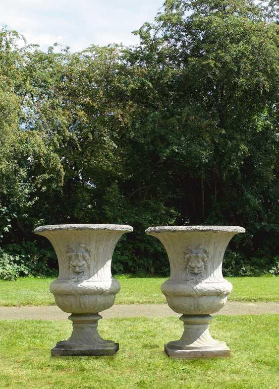 Paar monumentale Parkvasen - photo 1