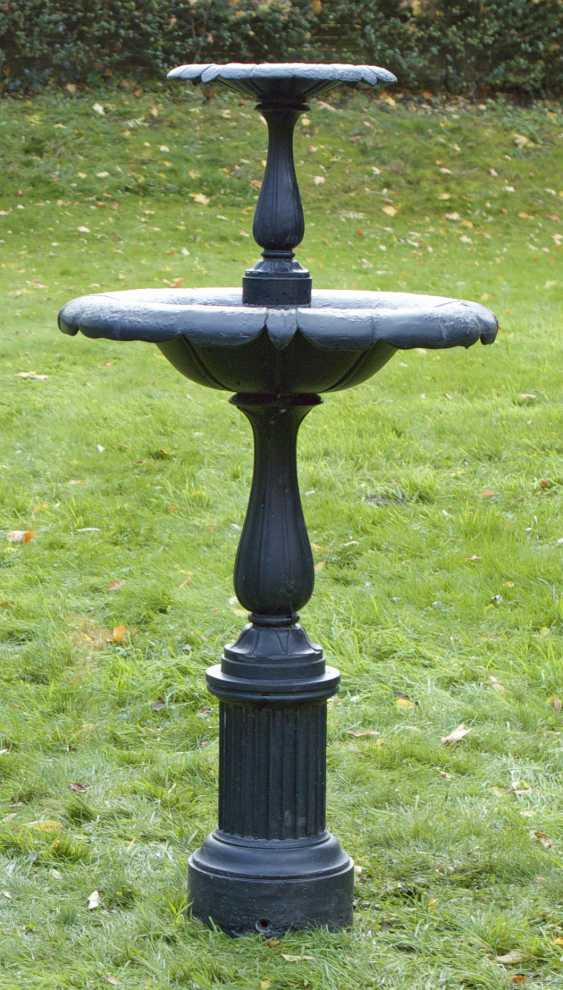 Viktorianischer Gartenbrunnen - photo 1
